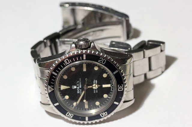 How to Use a Dive Watch